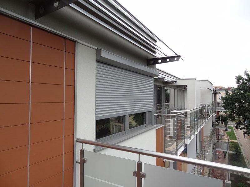 Niewiarygodnie Roleta zewnętrzna taras widok na balkony Rollsystem: rolety RE31